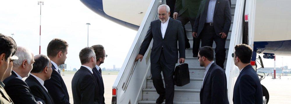MPs Hail Zarif's EU Diplomatic Drive