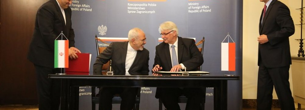 Tehran, Warsaw Sign MoU on Bilateral Consultations