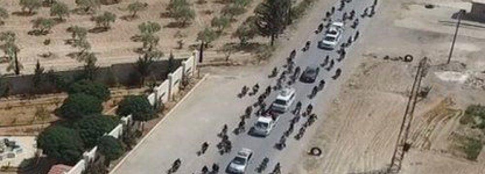 IS Militants Fleeing Manbij With Human Shields