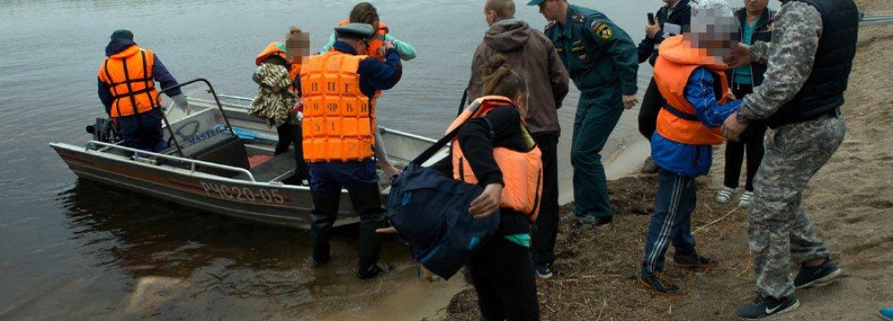 Children Die in Russian Lake Storm