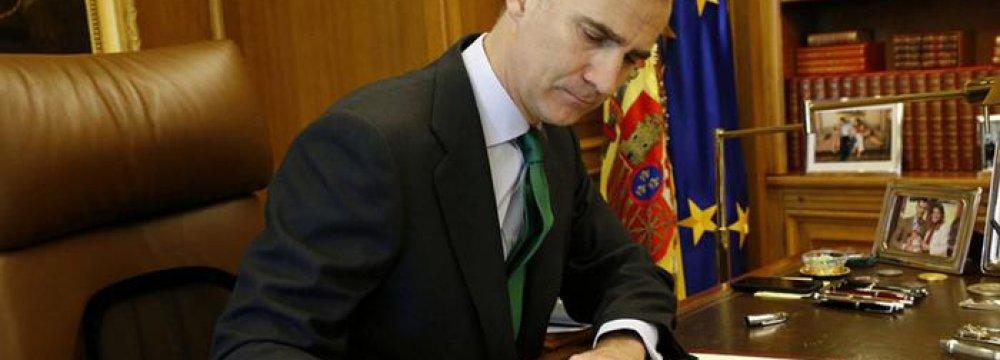 Spain King Dissolves Parliament