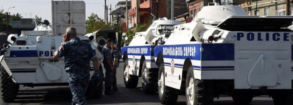 Armenian Gunmen Free 2 Hostages