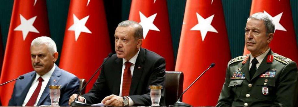 Turkey Detains Key Aide of Gulen