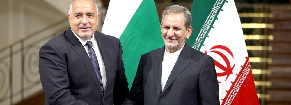 Tehran, Sofia Sign 3 Deals