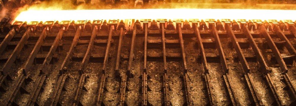Steel Exports Surge Despite Domestic Downturn