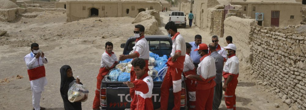 The packages were distributed in 14 villages in Zabol and Hirmand counties which were severely affected by the seasonal phenomenon.