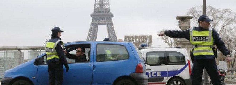 Paris Bans Old Cars, Motorcycles
