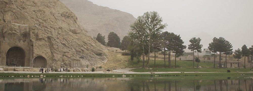 Dust Storms Taking Toll on Kermanshah Tourism