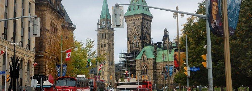 Canadians Split on Growth