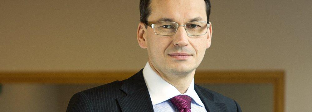 EC Debate Delays Polish Investments