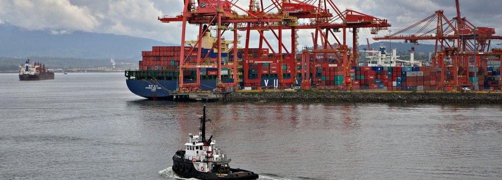 Canada Says Economy to Rebound, Analysts Disagree