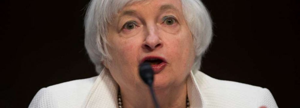 Yellen Sees 'Gradual' Rate Hikes