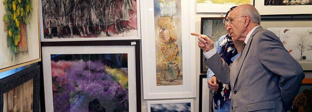 Art Fans, Buyers Swarm Tehran Golestan Gallery