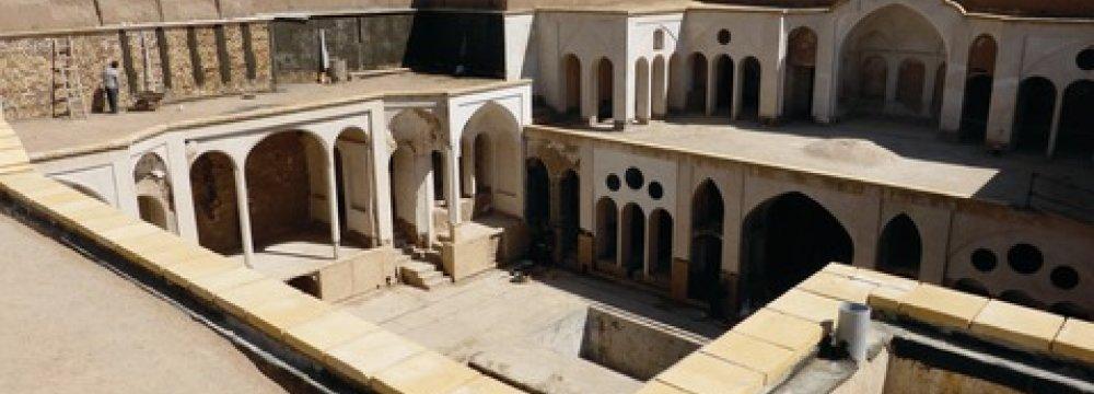 Belgian Artist Unveils Exhibition, Museum Plans in Kashan