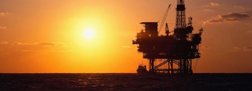 Zanganeh: Some OPEC  Members Dumping Oil