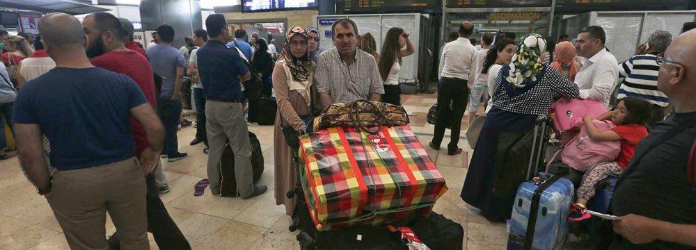 10,000 Iranian Tourists Stranded in Turkey