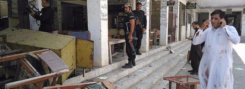 Bombs Kill 12 at Pakistan Court