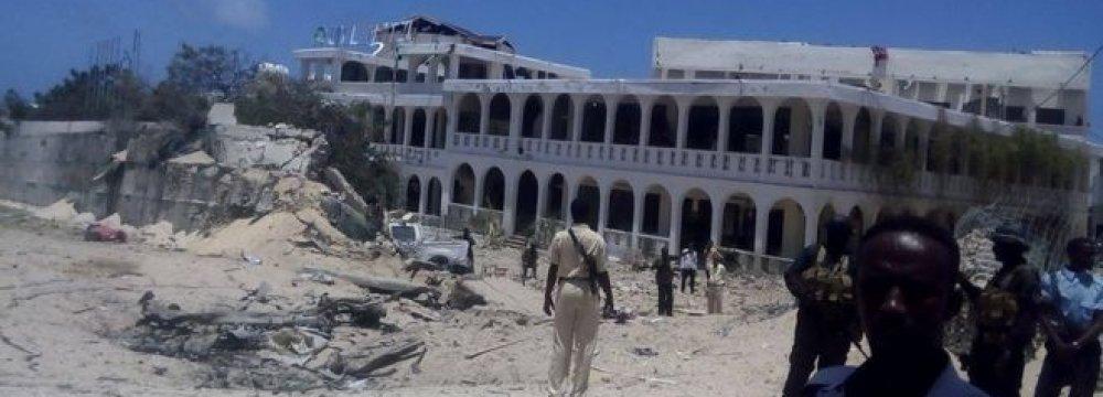 Somalia Truck Bomb Targets Mogadishu Hotel