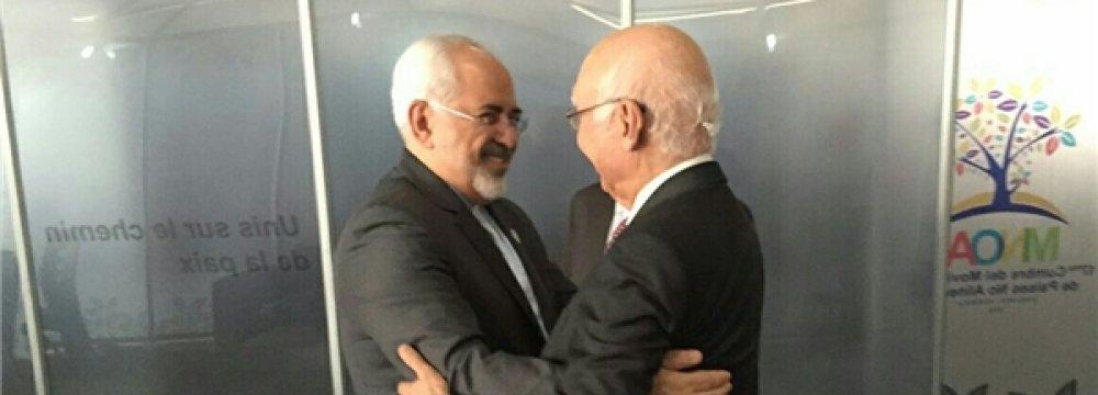 Zarif, Pak Counterpart Discuss Ties, Region