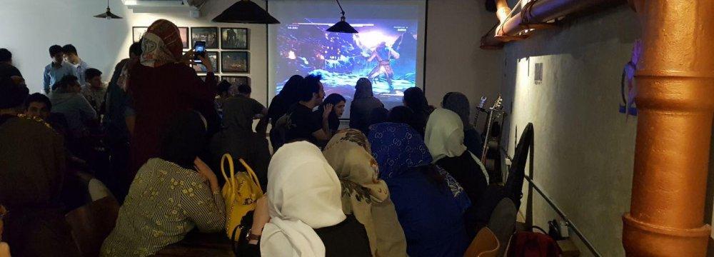9.8 Million Women Gamers in Iran