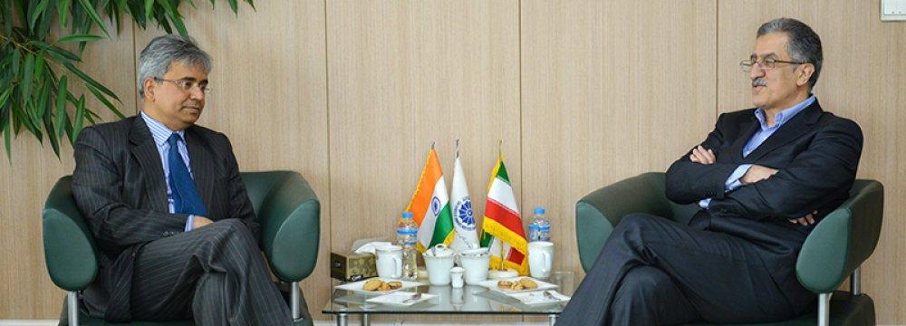 Officials Discuss Continuing Iran-India Trade Under Sanctions