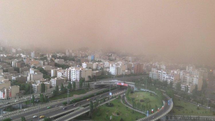 عکسهای طوفان تهران از برج میلاد