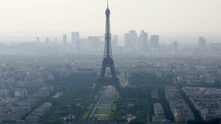 paris testing new anti pollution measures financial tribune. Black Bedroom Furniture Sets. Home Design Ideas