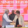 Narendra Modi (L) welcomes Kristalina Georgieva in New Delhi, Nov. 4.